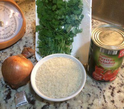 Ingredientes para el arroz mexicano