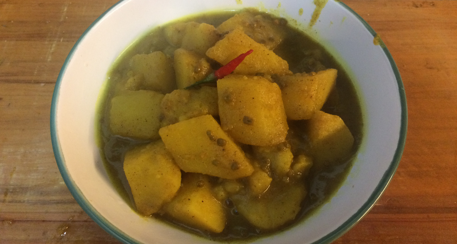 papas picantes hindues al curry