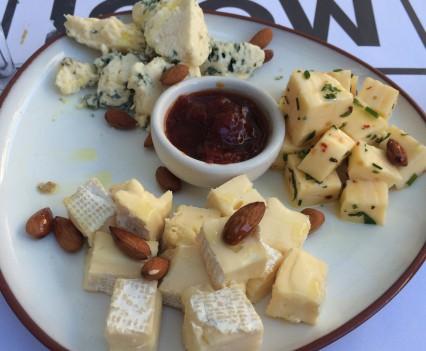 plato-de-quesos-mooi-palermo