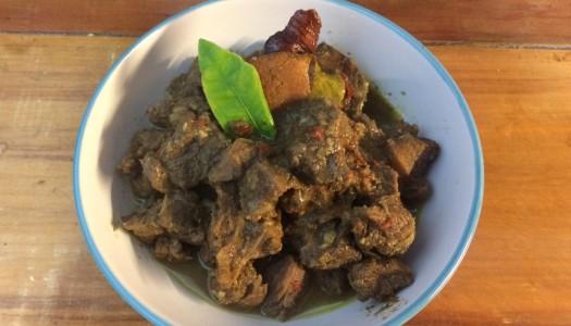 Estofado de cabra (Goelee kambing)