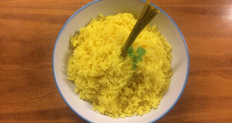 Arroz Amarillo Enplatado con Lemon grass