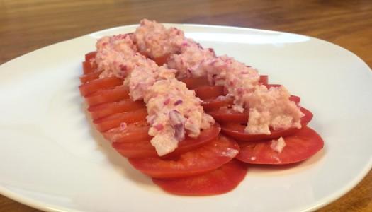 Ensalada de tomates y nueces macadamia