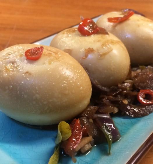 Detalle Telor Bali huevos de bali emplatado