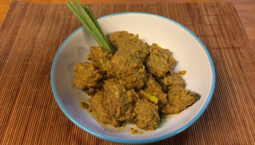 Curry picante de carne vegetal