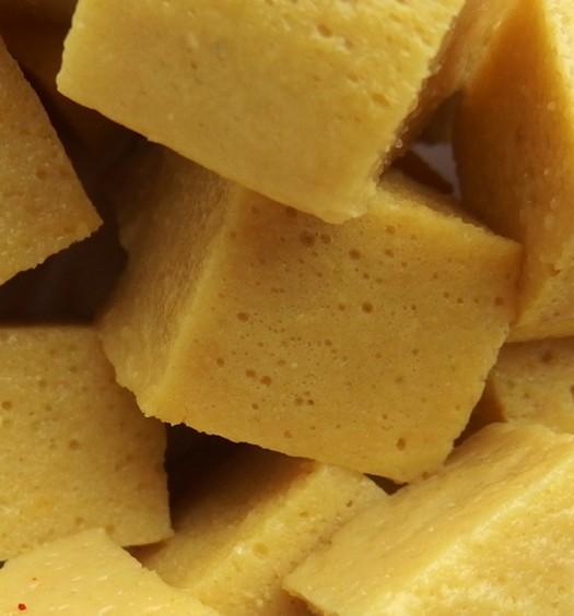 Tofu birmana de harina de garbanzos