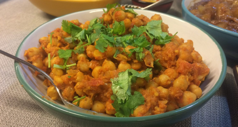 Curry de garbanzos con leche de coco