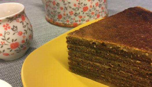 Spekkoek o torta en capas de Indonesia
